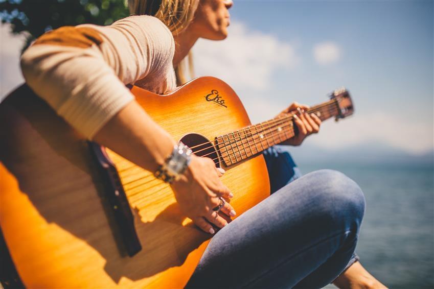 Chitarra classica online: conviene comprare una chitarra classica su