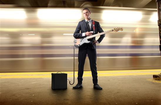 Cyber Monday e strumenti musicali: + MUSICA - LAVORO