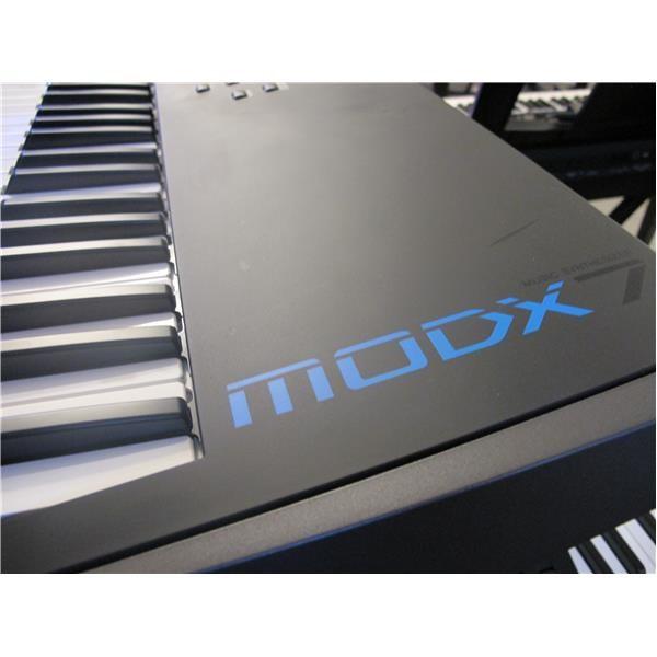 MODX7 76 USATO TASTI SINTETIZZATORE