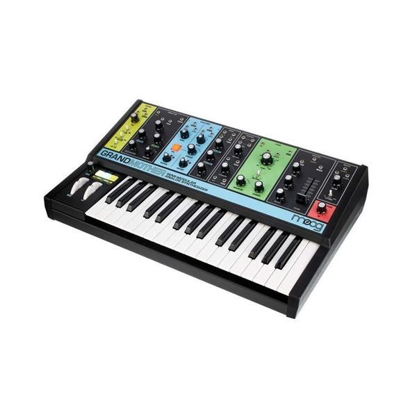 GRANDMOTHER MUSIC SYNTH