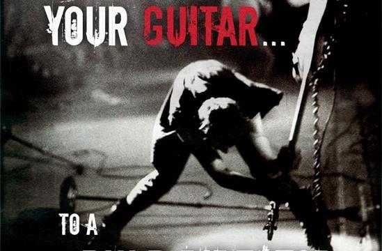 """Preziosissima chitarra Martin distrutta sul set di """"The Hateful Eight"""" di Tarantino"""